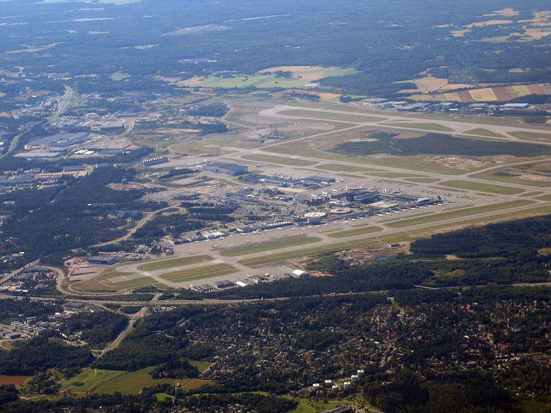 فرودگاه بین المللی هلسینکی