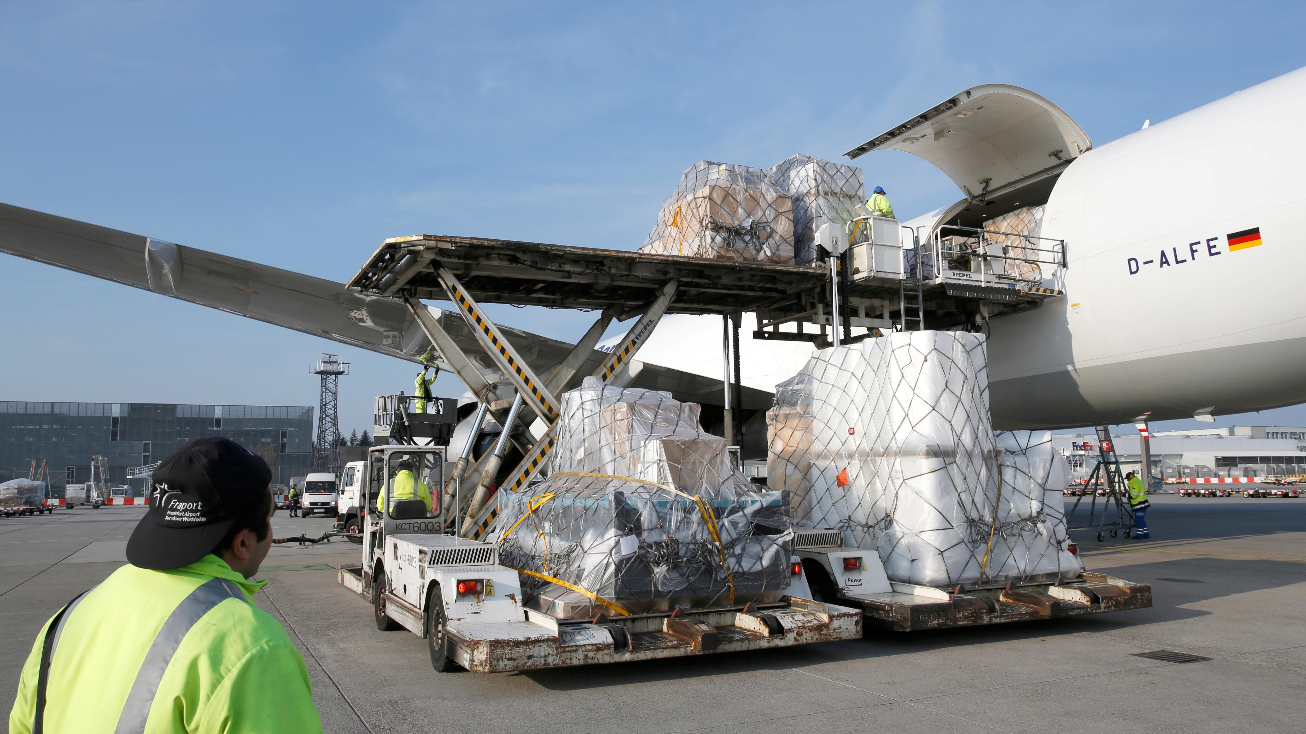 ارسال بار هوایی به سوئیس